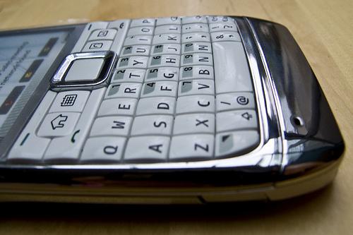 mon Nokia E71 est en blanc