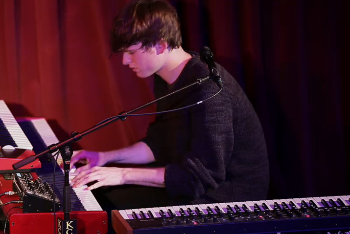 James-Blake-Retrograde-live