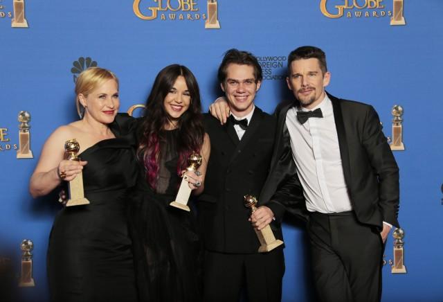 2416576_ET_Golden_Globes_LKH_24