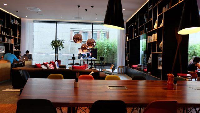 citizenm_toweroflondon_lounge